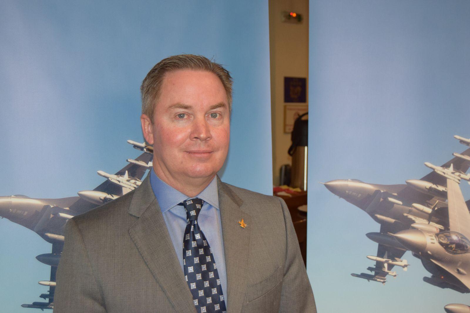 """Българските ВВС ще получат най-модерната версия на F-16. Джеймс Робинсън, директор """"Международно бизнес развитие на F-16"""" в Lockheed Martin пред сп. """"Клуб КРИЛЕ"""""""
