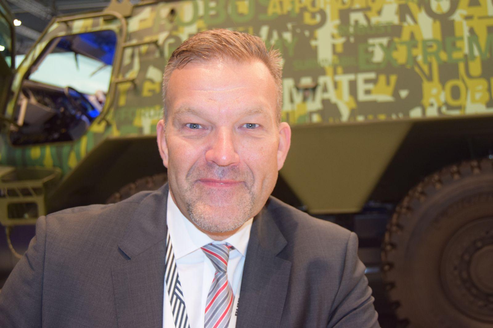 """DSEI 2019 - """"Patria ще отговори на RfP за нова бойна машина, като гарантираме 20% българско участие"""" - Яне Райколайнен, старши вице-президент Vehicles Systems Land в Patria"""