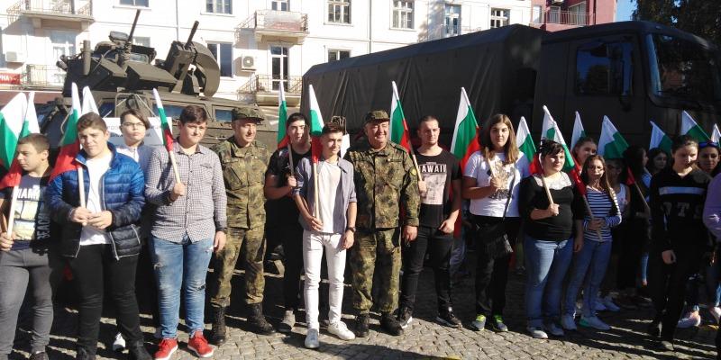 """""""Бъди войник"""" в Гоце Делчев - зам.-командирът на СВ бриг. ген. Валери Цолов: Тук сме, за да покажем, че българският народ трябва да се гордее със своята армия"""