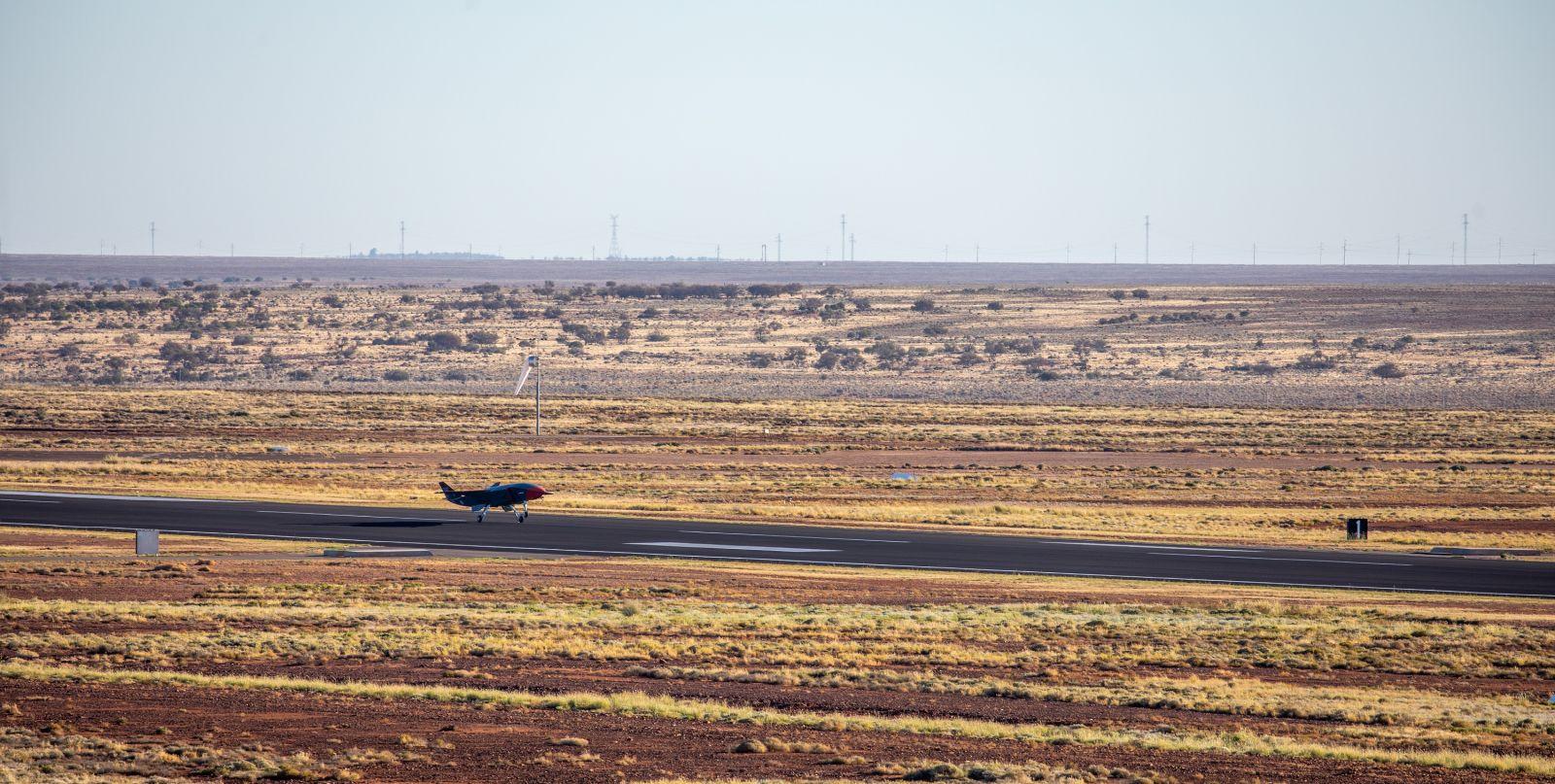 БЛА Boeing Loyal Wingman извърши първия си полет. Успешният тест ускорява програмата на Кралските австралийски ВВС (ГАЛЕРИЯ, ВИДЕО)