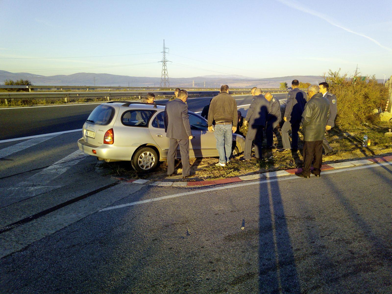 """Военнослужещи от специалните сили помогнаха на граждани, претърпели леко пътнотранспортно произшествие на автомагистрала """"Тракия"""""""