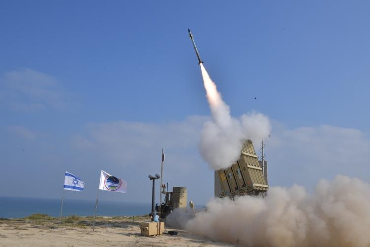 """САЩ ще разположат ЗРК Iron Dome (""""Железен купол"""") в свои бази в страните от Персийския залив (ГАЛЕРИЯ)"""