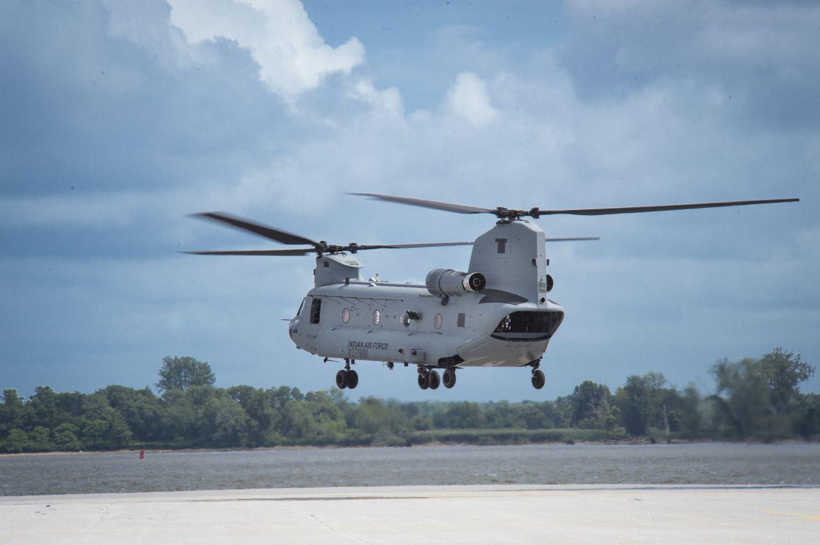 Boeing завърши мащабни вертолетни доставки за Индия. През март бе доставен последния Chinook, а на 22 юни 2020 г. последния щурмови Apache