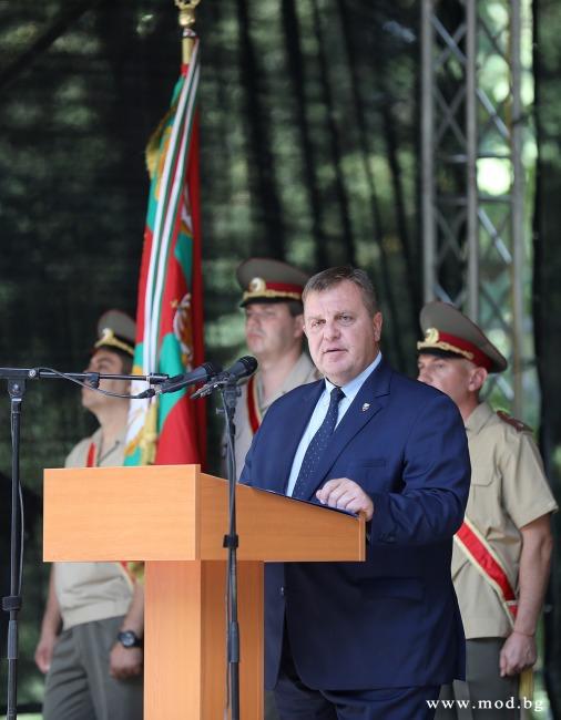 Министърът на отбраната Красимир Каракачанов: Сега е критичният момент, в който трябва да положим усилия, за да имаме силна и достойна Българска армия