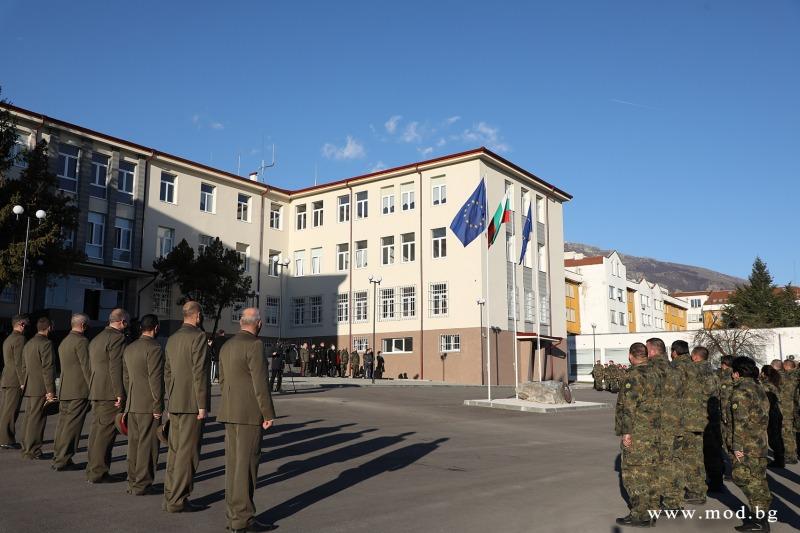 Началникът на отбраната адм. Емил Ефтимов откри новия щаб на 61-ва Стрямска механизирана бригада (ГАЛЕРИЯ)