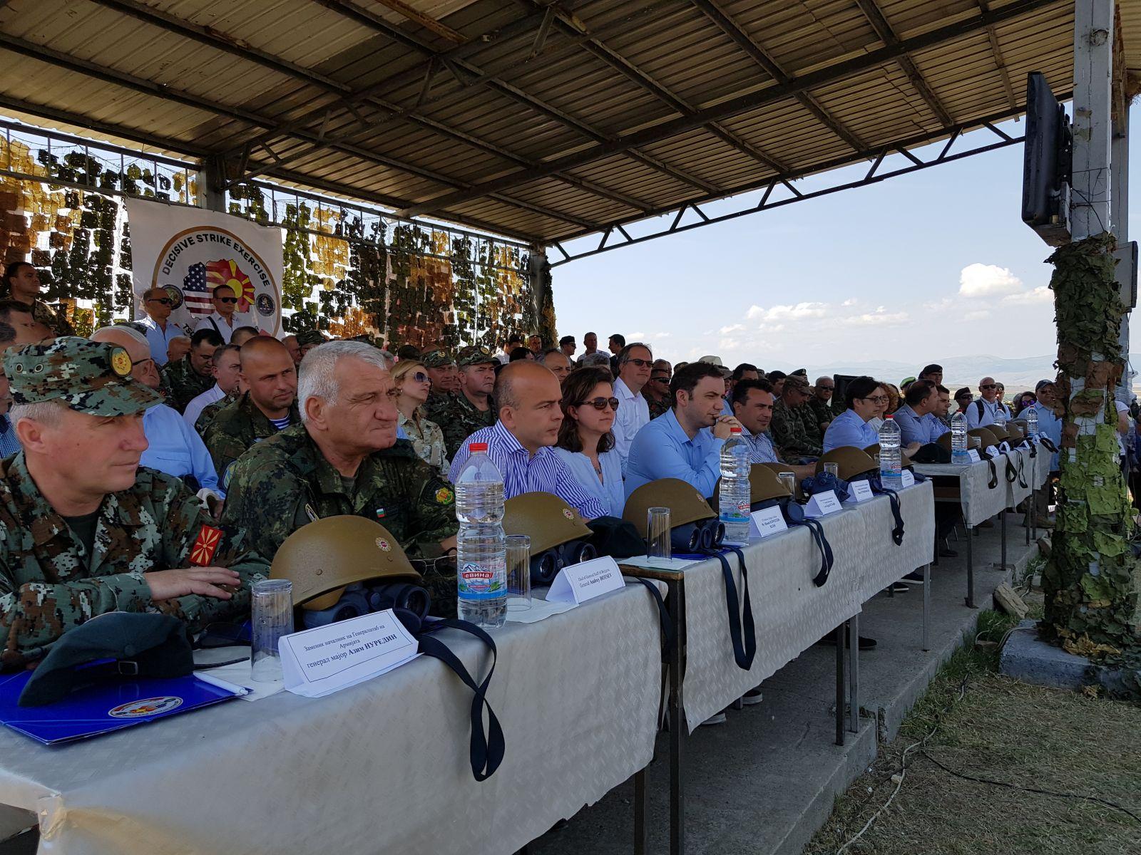 """Началникът на отбраната генерал Андрей Боцев наблюдава заключителния етап на международното учение """"Решаващ удар – 2019 г."""" (ГОЛЯМА ГАЛЕРИЯ)"""