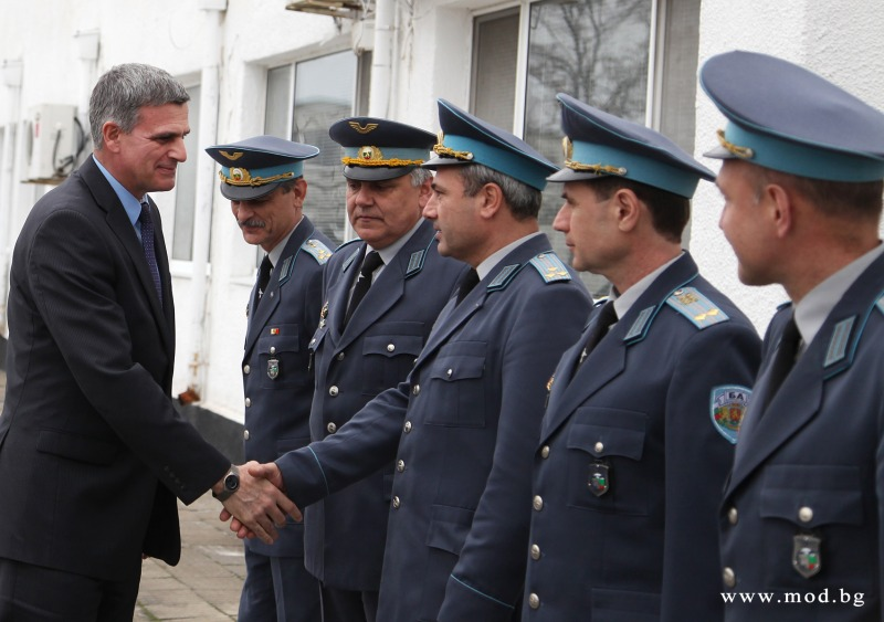 Bulgarian Minister of Defense visits 24th Helicopter Air Base in Krumovo