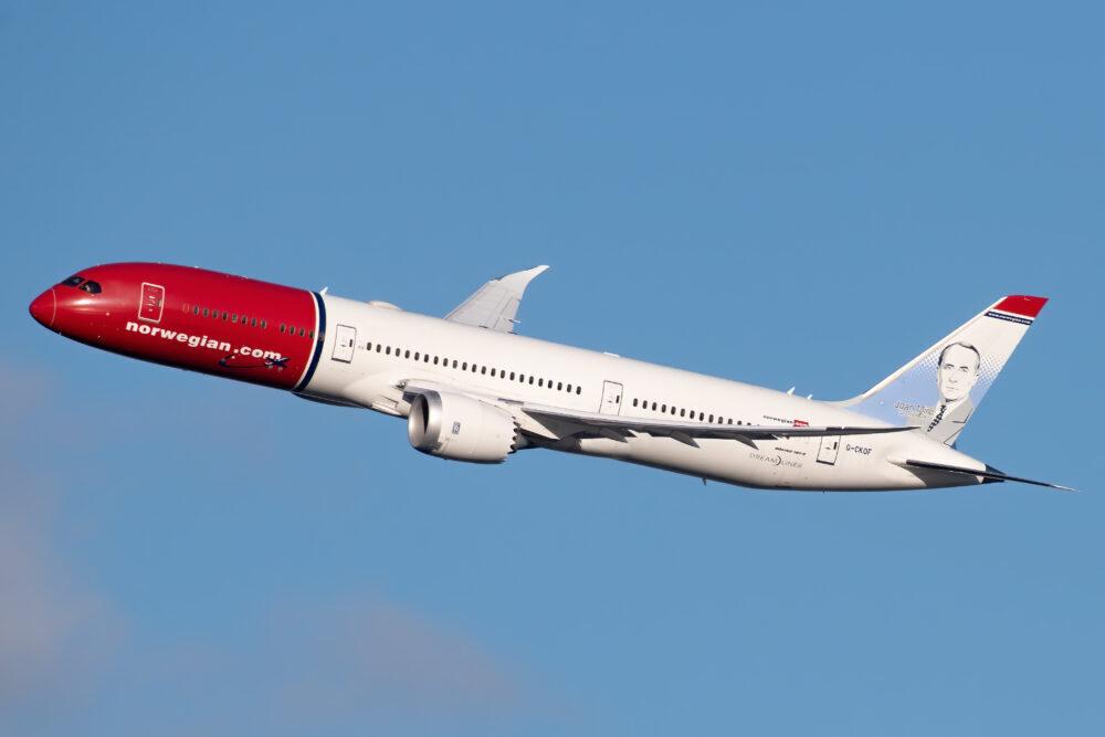Край на евтините трансатлантически полети - Norwegian ще изпълнява само средномагистрални полети