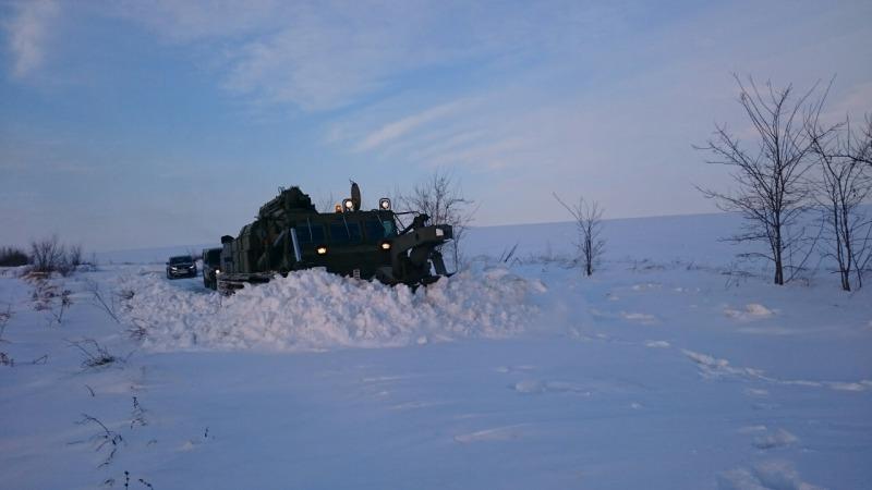 Военнослужещи продължават да изпълняват задачи в помощ на населението в Североизточна България (СНИМКИ)