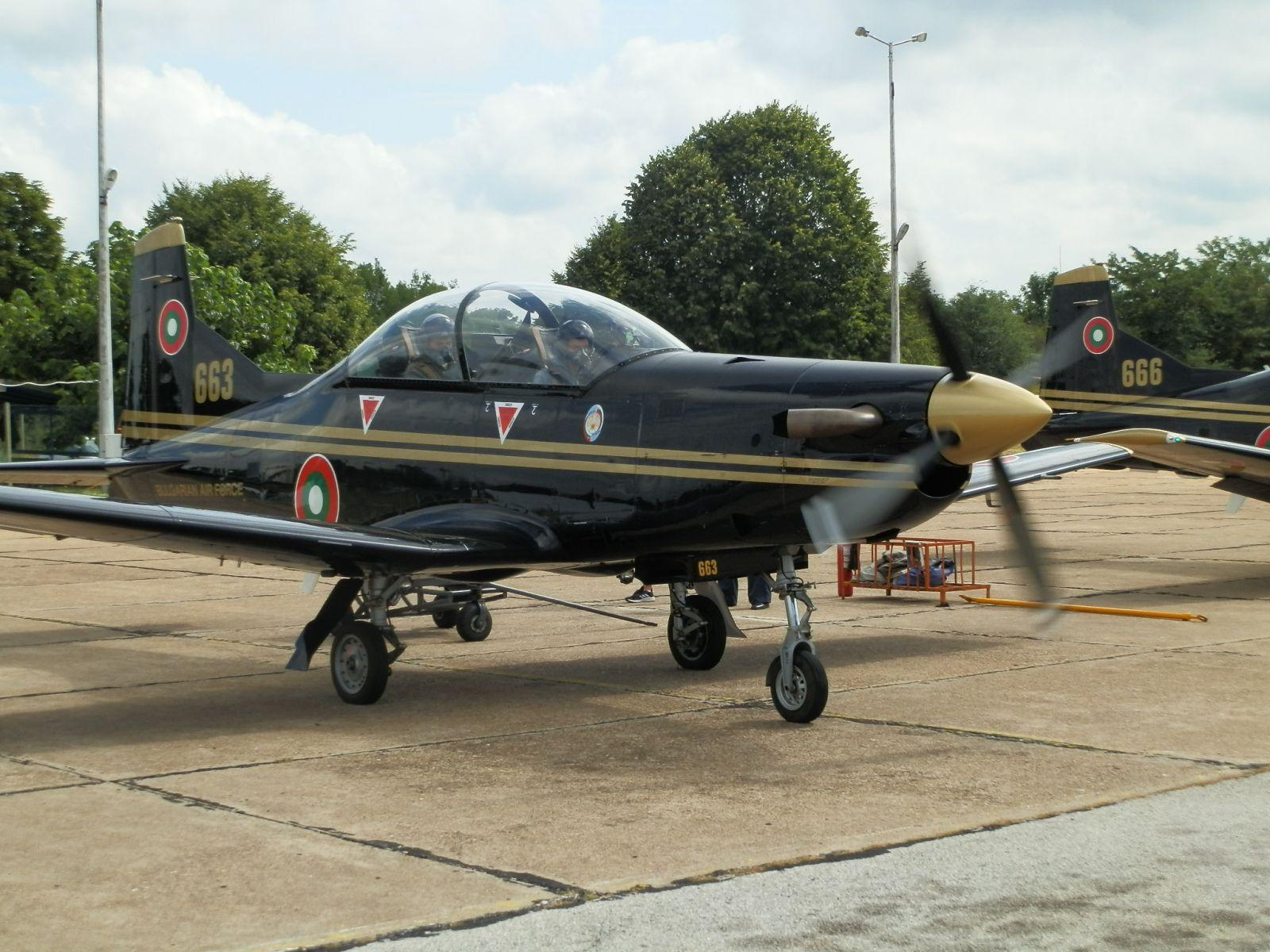 Pilatus PC-9M е най-евтиния самолет във ВВС. МиГ-29 двадесет пъти по-скъп