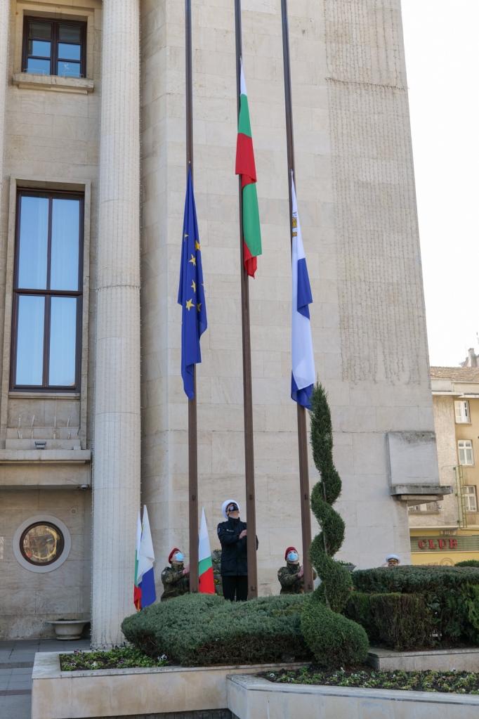 ВМС участваха в тържественото отбелязване на 3 март и 143 години от Освобождението от турско иго в Бургас и региона (ГОЛЯМА ПРАЗНИЧНА ГАЛЕРИЯ)