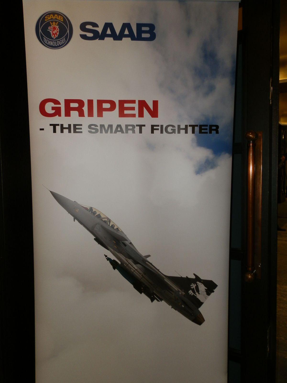 """Saab не само може да достави 4 самолета Gripen за 24 месеца, но и те да са готови за мисията """"Еър полисинг"""""""