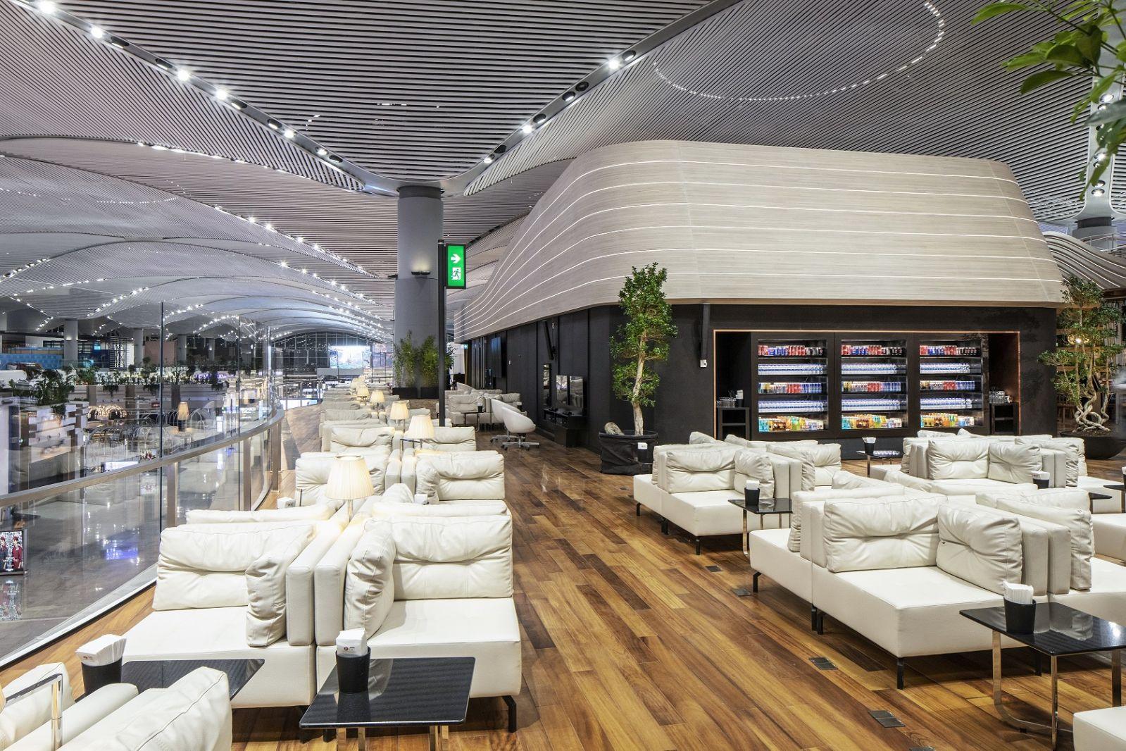 Turkish Airlines отваря пет пътнически салона в новото Летище Истанбул