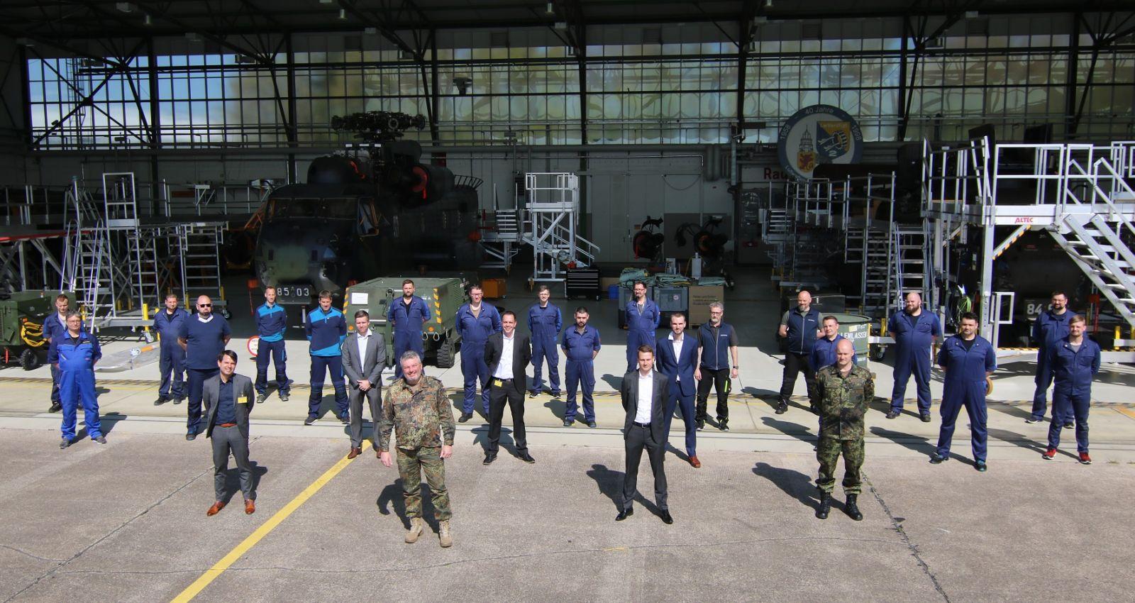 Rheinmetall получи за поддръжка от МО на Германия (Bundeswehr) първите два хеликоптера на ВВС CH-53G