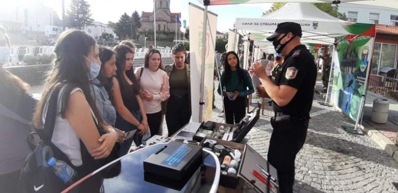 """""""Бъди войник"""" във Велики Преслав - Интересът на младите хора към Българската армия расте"""