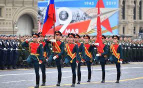 ГОРЕЩО: Владимир Путин насрочи Парадът на победата за 75 години от края на Великата Отечествена война за 24 юни, точно 75 г. по-късно от първия парад (ГАЛЕРИЯ)