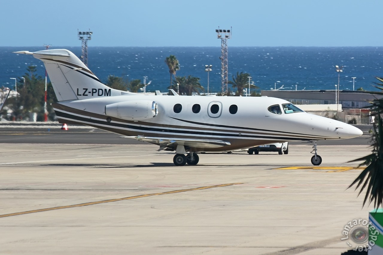Горещо: Бизнес джет Hawker Beechcraft 390 Premier IA на българската компания Top Jets Ltd. се продава за 1 247 000 щатски долара.