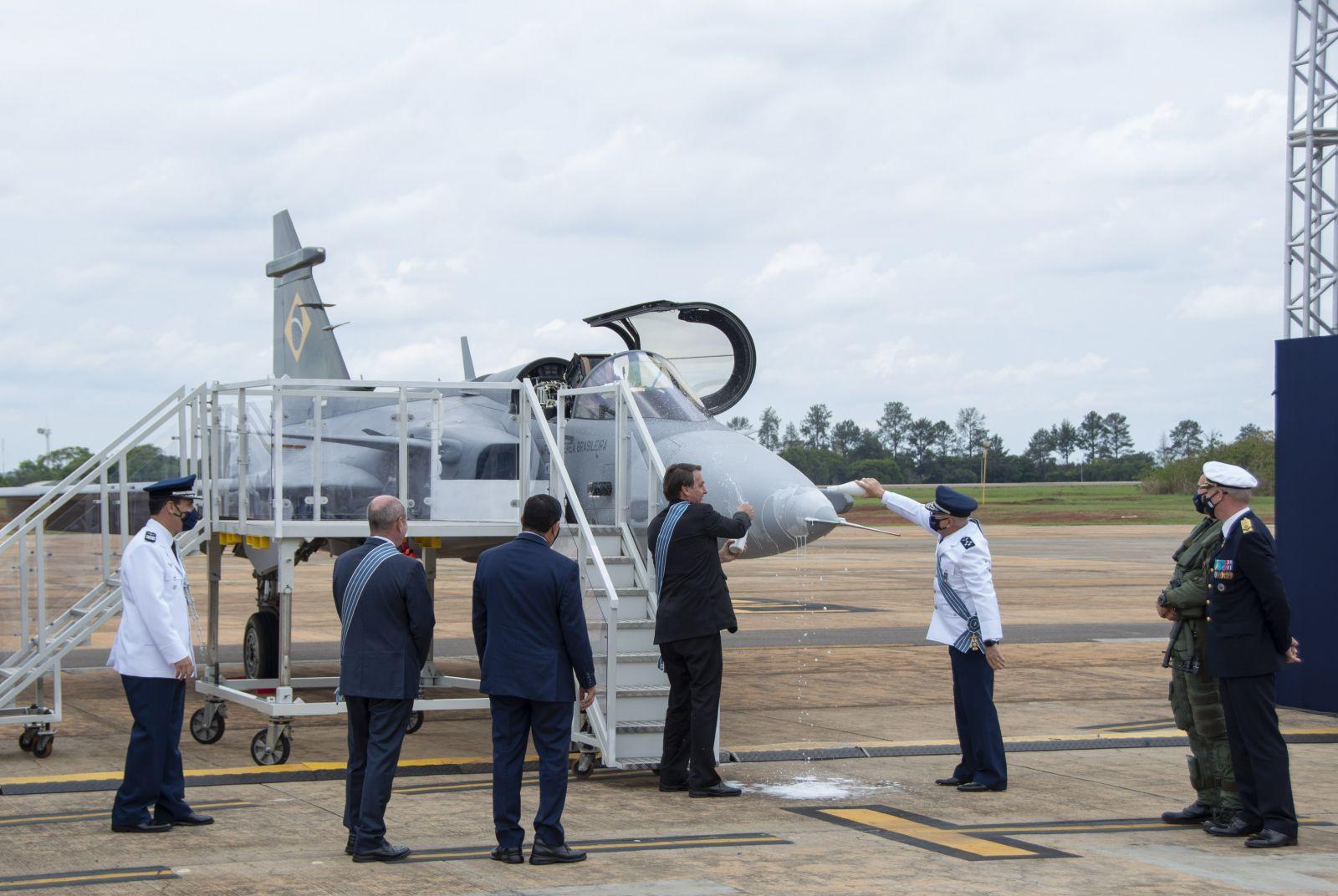 Gripen официално представен в Бразилия (ГАЛЕРИЯ)