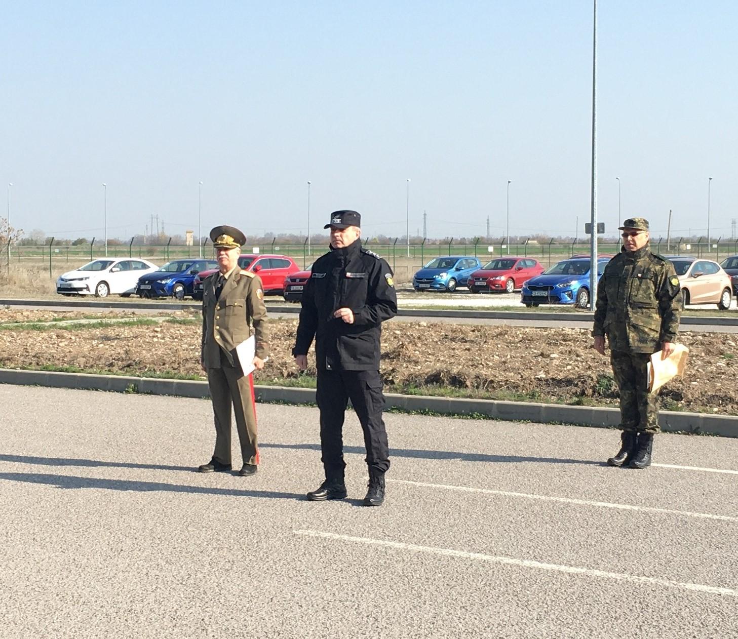 """Четиридесети български военен контингент се включи в мисията на НАТО в Афганистан """"Решителна подкрепа"""" (ГАЛЕРИЯ)"""