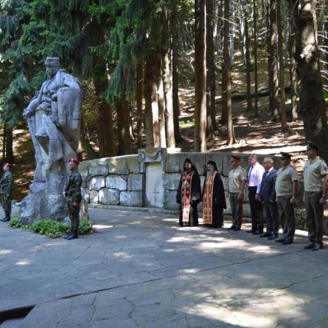 Военнослужещи от Сухопътните войски почетоха подвига на Хаджи Димитър