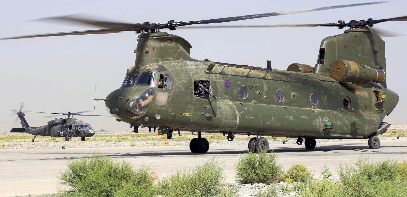 Великобритания планира да закупи нови вертолети Chinook