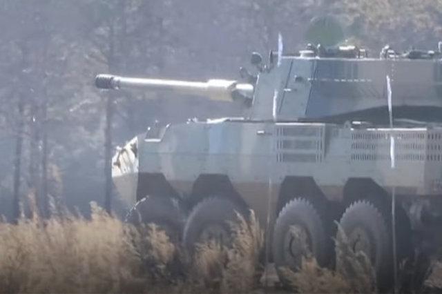 """Аналог на руската БМП """"Бумеранг"""" и нов колесен танк са забелязани в Китай"""
