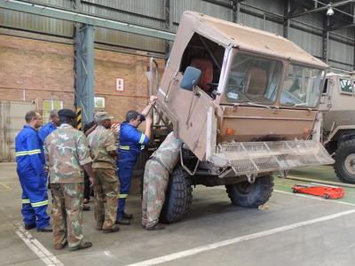 Кубински специалисти извършват ремонт на оборудване и логистична поддръжка на въоръжените сили на РЮА