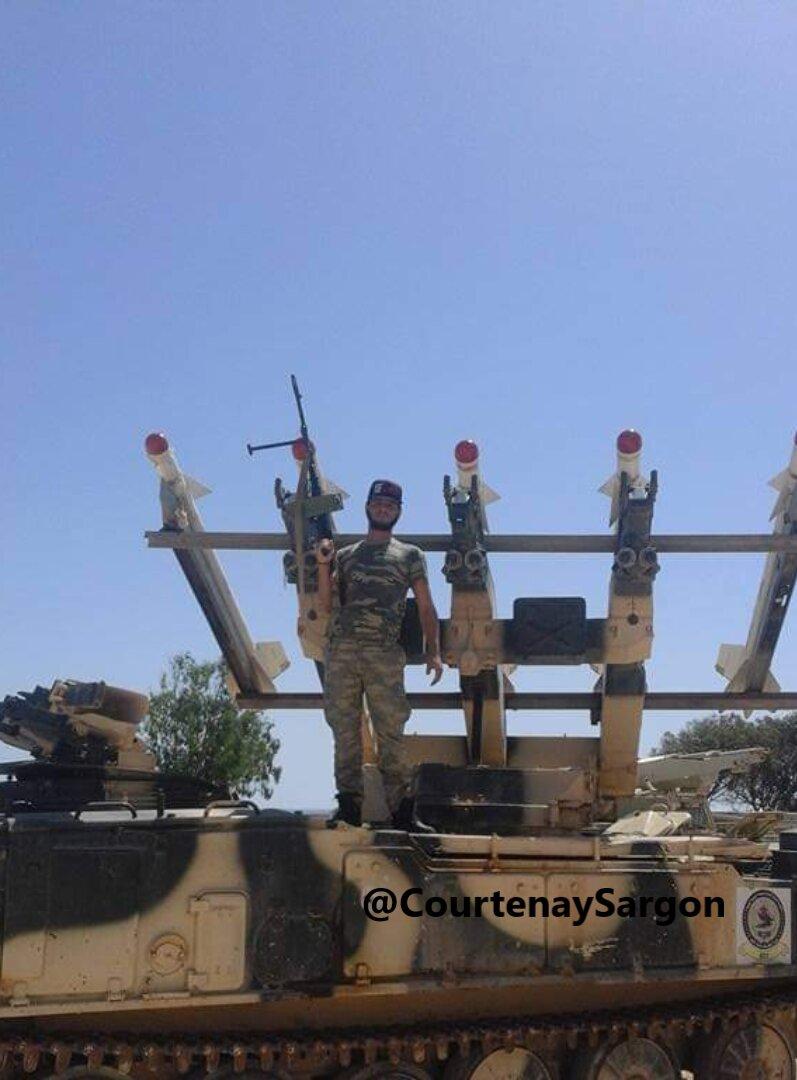 """Съветски верижен ЗРК """"Квадрат"""" въоръжиха с ракети Atoll в Либия"""