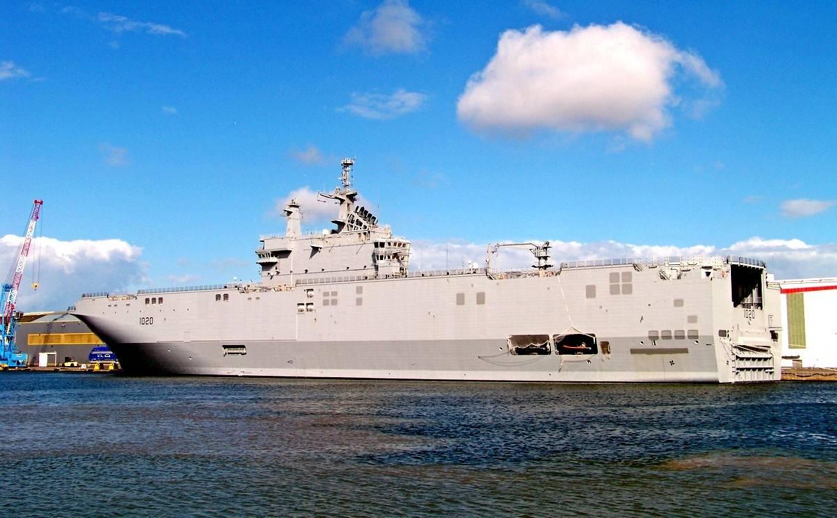 Говорейки за  руските УДК и френските  Mistral, във Forbes не са взели предвид проектната документация на корабите