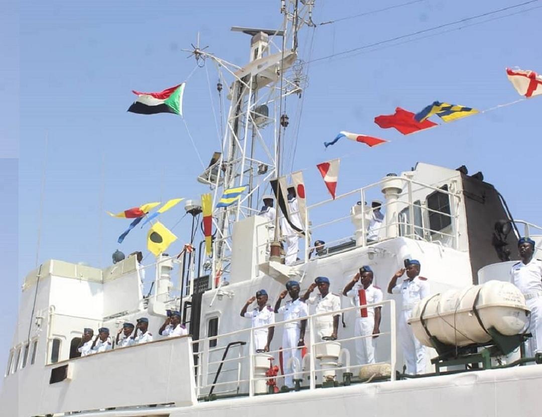 Руски военни кораби посещават Порт Судан, въпреки че Хартум спира действието на военноморската база