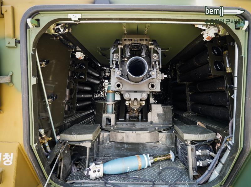 Новата южнокорейска 120-mm самоходна минохвъргачка