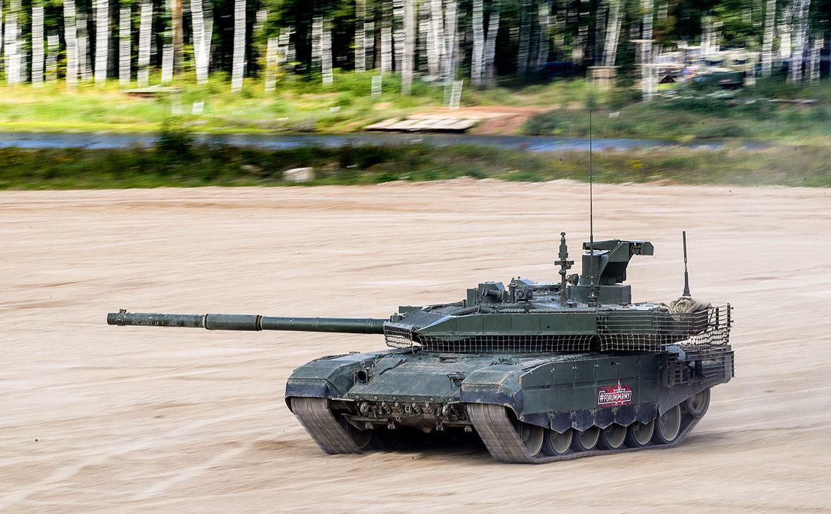 """Състезание между БМПТ """"Терминатор"""" и танка T-90M """"Пробив"""" показаха на видео"""