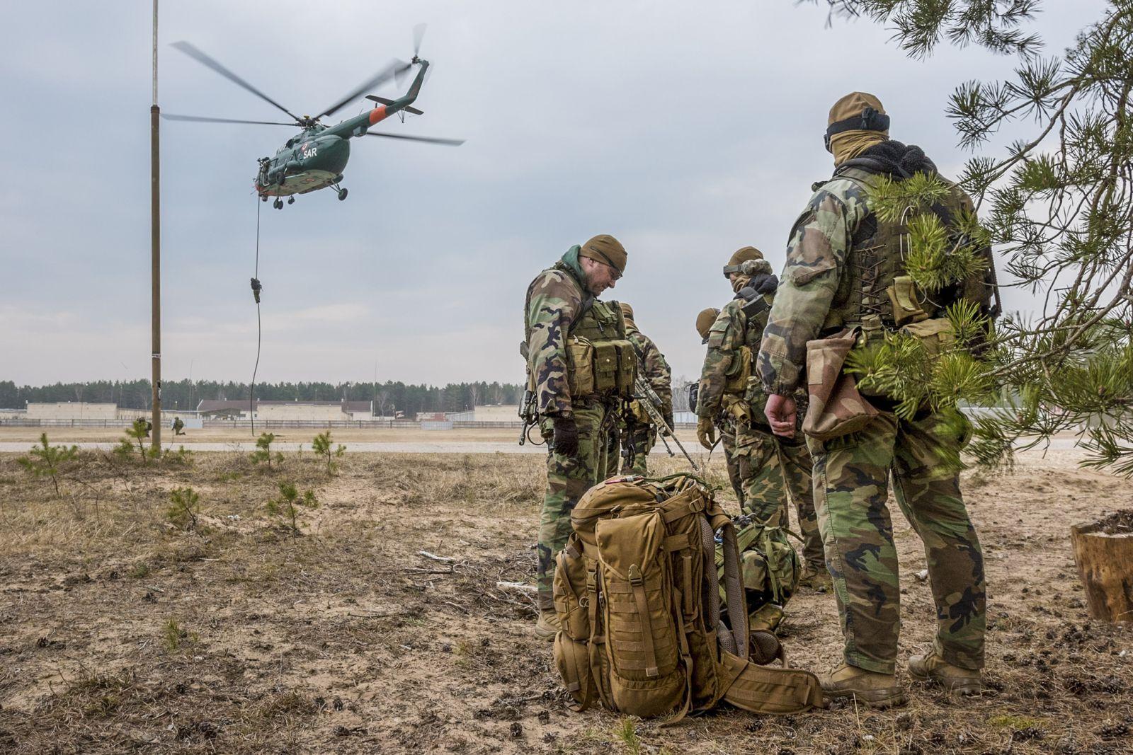 Колко чужди военнослужещи ще пазят Латвия?