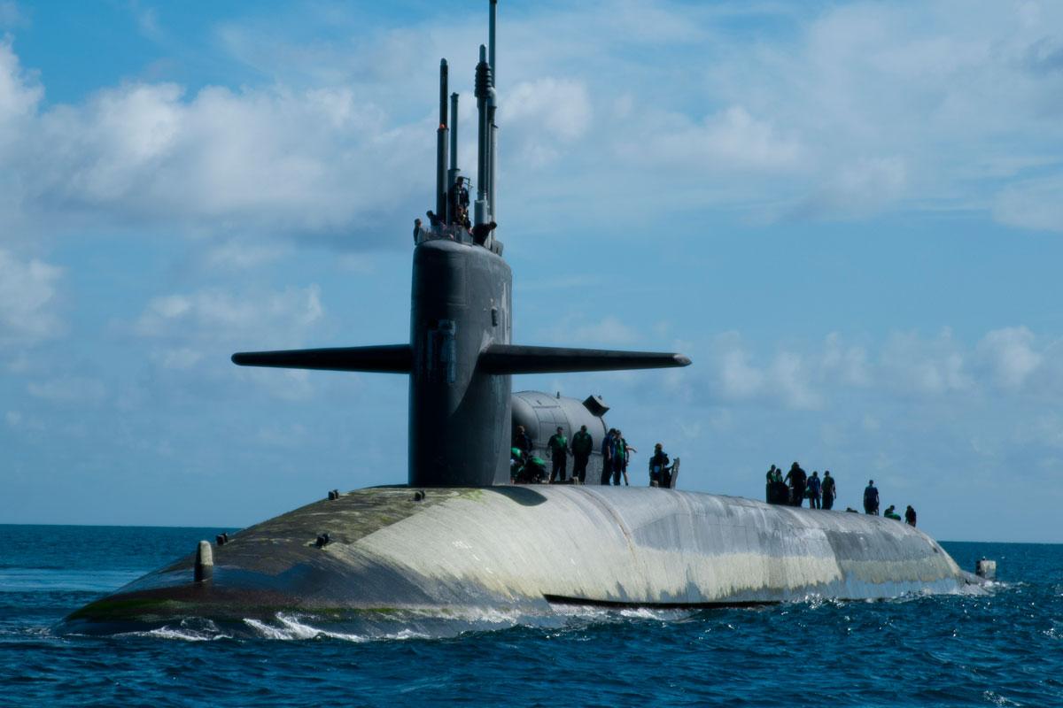 Popular Mechanics (САЩ) сравнява визуално руските и американските подводници