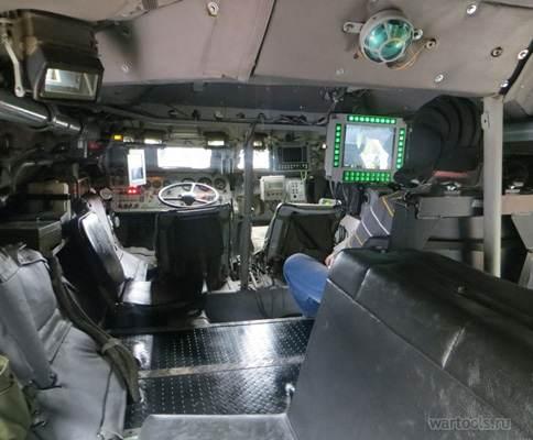 Узбекистан поръча партида БТР-82А в Русия